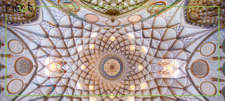 نمای زیبا از گچبری سنتی سقف
