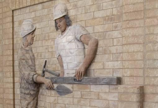 برای بنایی جزئی یا کلی ساختمان از چه بنایی باید کمک گرفت ؟