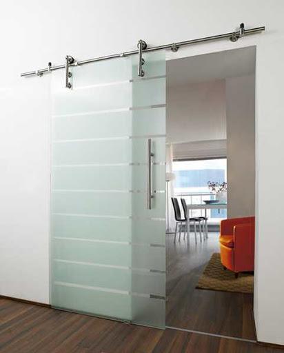 کاربرد و مزایای شیشههای سکوریت ریلی