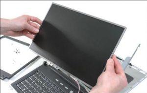 دلایل خرابی LCD لپتاپ