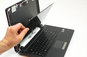 تعویض یا تعمیر ال سی دی لپتاپ؟