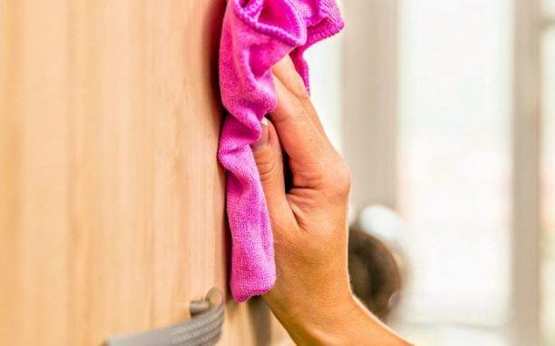 پاک کردن کابینت چوبی