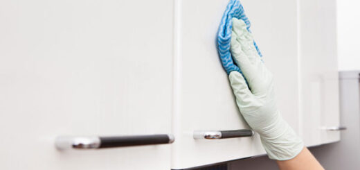 پاک کردن چربی از روی کابینت