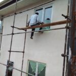 توحید بختیاری نقاش ساختمانی در استاده