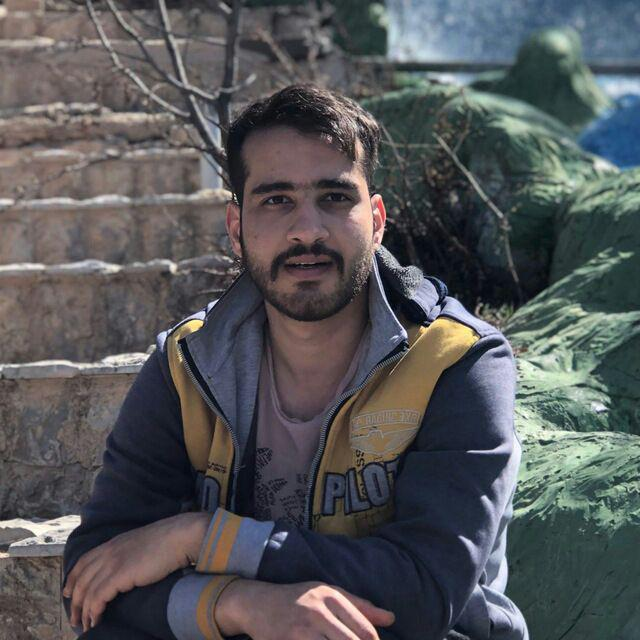 میلاد محمودی نصاب دوربین مداربسته در استاده