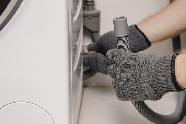تعویض پمپ تخلیه ماشین لباسشویی