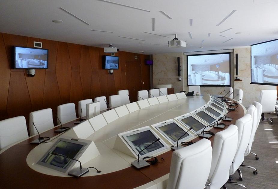 سیستم صوتی و تصویری سالن کنفرانس
