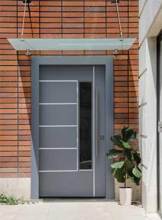 رنگ خاکستری برای درب ورودی